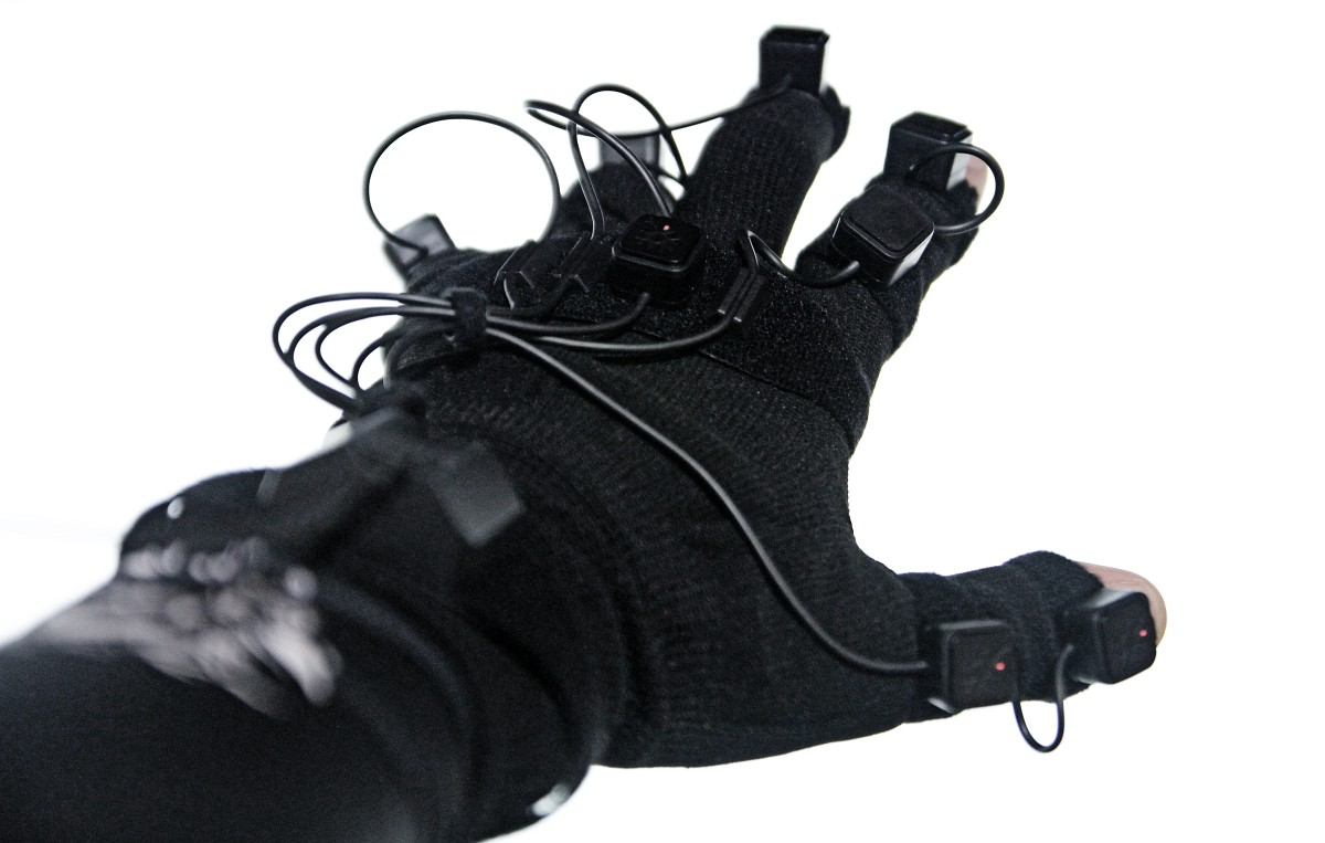 perception neuron 32 mocap gloves